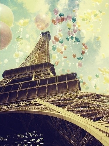 keds:  Thinking about taking a little trip. Paris anyone?   Awesome photo!