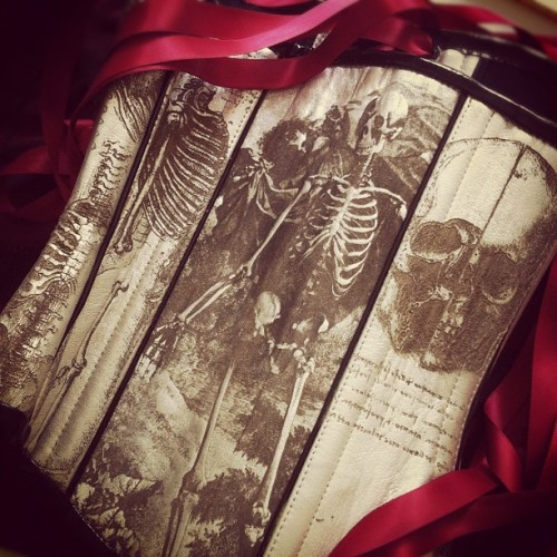Dying over the decadent skull #corset @wilde_hunt sent me! I'll wear it on my next Tv appearance, will announce soon! (Taken with Instagram)
