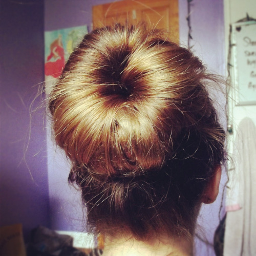 Another fantastic sock bun! Jess~ Find us @ Facebook | Twitter | Pinterest | Blog | G+