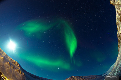 gofuckingnuts:  All sizes | 180 degree view of the northern lights | Flickr - Photo Sharing! on We Heart It. http://weheartit.com/entry/30634634