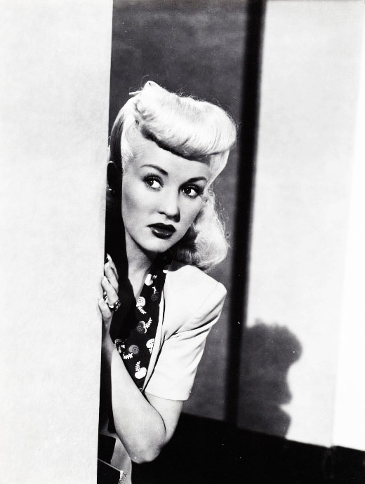 vintagegal:  Betty Grable in Pin up Girl (1944)