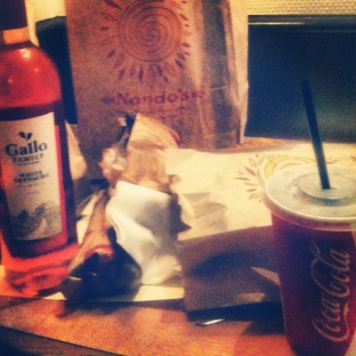 Nando's dinner and wine #nandos #wine #cocacola #cola #chicken #peri #periperi #fingerlickingood (Taken with Instagram at Ramada London Hyde Park)
