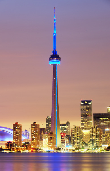 CN Tower, Toronro (by Tony Shi.)