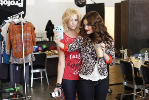 Pretty Little Liars stars Ashley Benson and Lucy Hale take us behind-the-scenes of their Bongo photoshoot and spill on their faves from the collection. Get your insider look here »