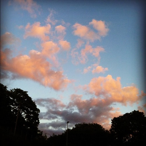 #pink #clouds #bergen #koengen #summer #beautifull #norway #heaven (Taken with Instagram)