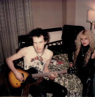 A very rare photo of Sid & Nancy, likely one of the last taken of the couple before her death.   September or October 1978, in New York City. Photo by Andy Shernoff.