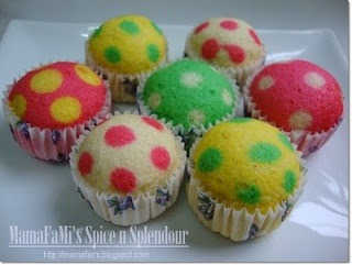 Polka dot cupcakes, pour in main color of batter half way and then pipe in second color of batter in small drops. This is cute!  Follow me!