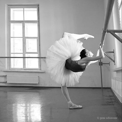 Anastasia Matvienko warming up - Photo Gene Schiavone