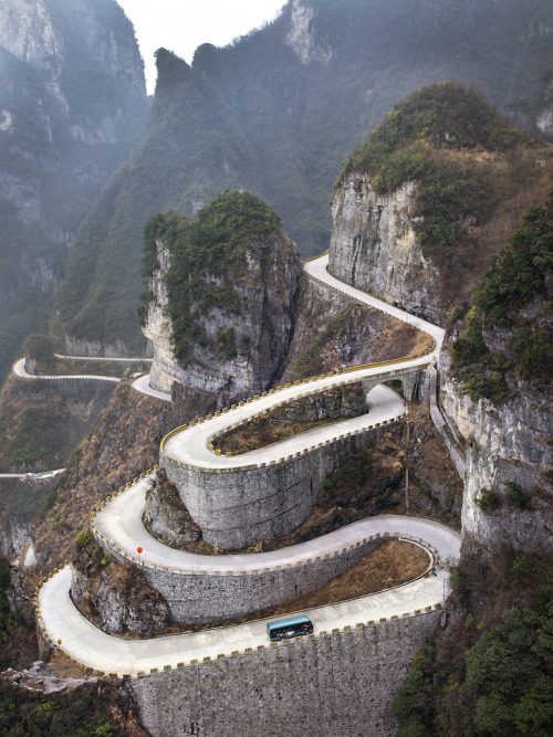 thingssheloves:  Tianmen Mountain, China