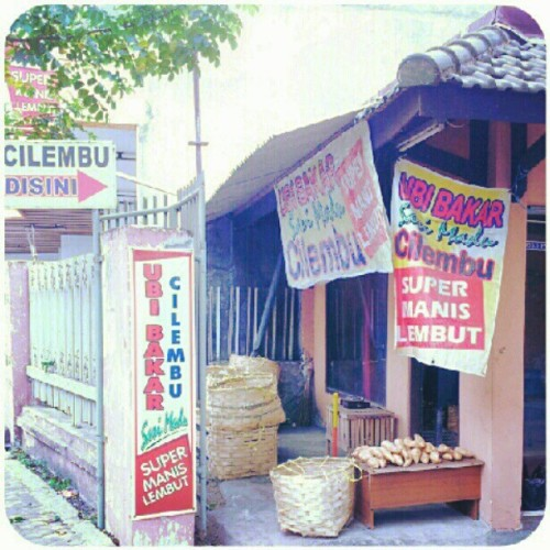 #warung #jual #ubi #bakar #bandar #kidul #instagram #instaphoto #instaworld #android #androidphoto #pingram #pingramme #hellogram #instadaily #instacnvs #photooftheday #instago #instagramers #picoftheday #instacanvas #instadaily #instagramhub #gf_daily #gang_family #extragram  (Taken with Instagram)