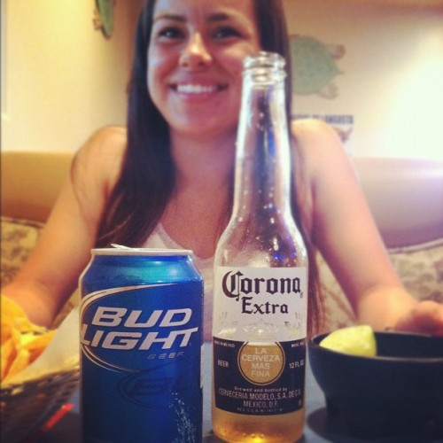 Dollar beers for an hour! Challenge accepted 😏🍻❤ #HappyHour #LaCasita #BFF #Babe #ThirstyThursday #Cerveza  (Taken with Instagram)