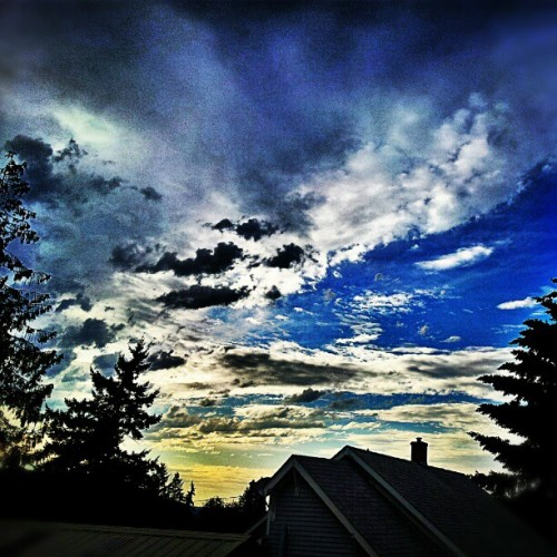 Love this state! #sky #skyline #Oregon #love #filter #sunset #clouds #summer (Taken with Instagram)