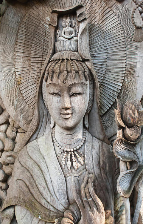 buddhabe:  wood carving of Kuan Yin
