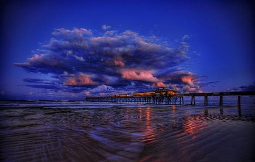 Sunglow Fishing Pier & Crabby Joe's Restaurant, Daytona, Florida, by Captain Kimo