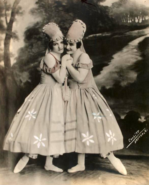 Miriam and Irene Marmein - photograph by Corbitt, 1910-1920