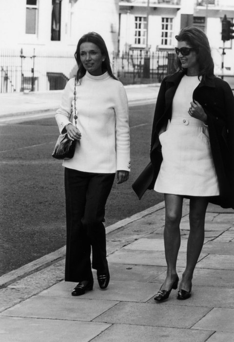 Lee Radziwill and Jackie O. — the originators of street chic style….