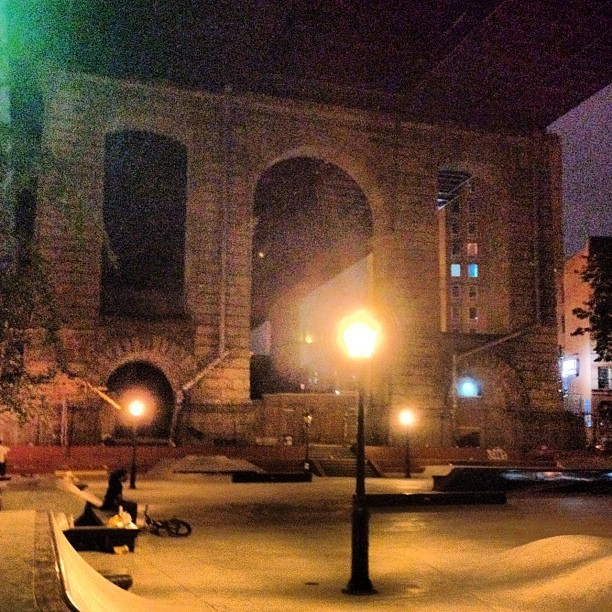 Les late night #les #blading  (Taken with Instagram)