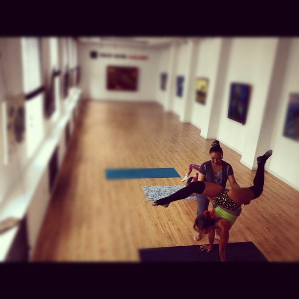 #art #gallery #contortion #class #ulaanbaatar #mongolia #cleansocks #documentary (Taken with Instagram)