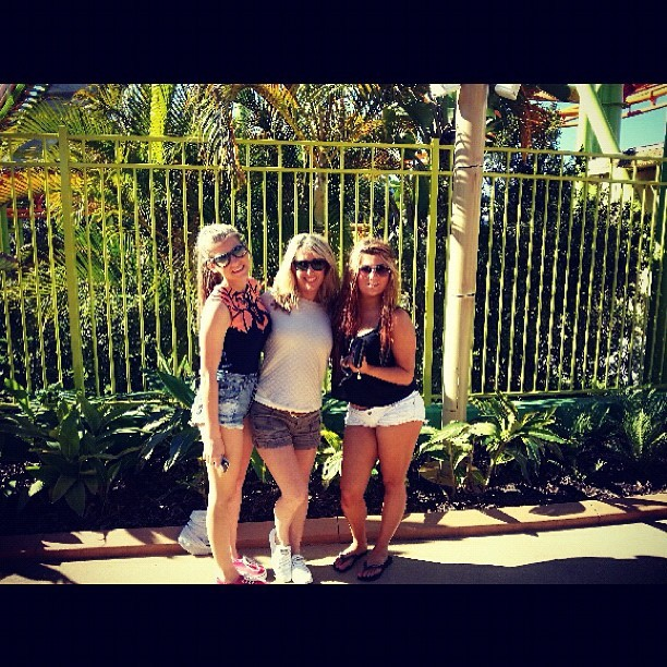#dreamworld #themepark #family #tan #feelslikesummer #instagram #photo #photography #amazing #love #rides #weekend  (Taken with Instagram)