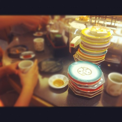 Epic meal time  (Taken with Instagram at Genki Sushi 元氣壽司)
