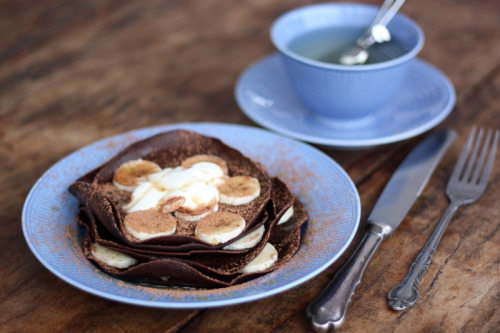 diet-killers:  Indulgent chocolate crêpes breakfast (от idamarieholm)