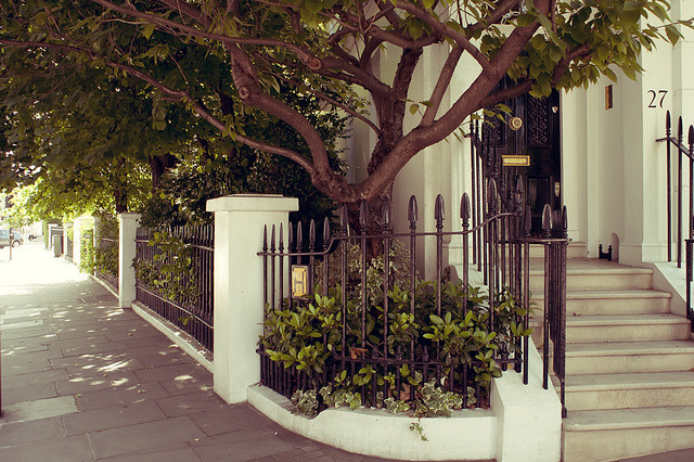 | ♕ |  Summer at the Chelsea corner - London  | by © nicolasv