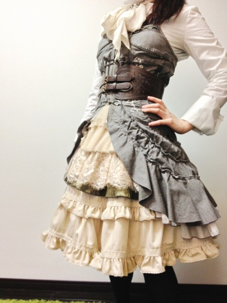 brispeak:  lace-me-tighter:  Beautiful Steampunk ensemble.   I want this…  Get in my closet…