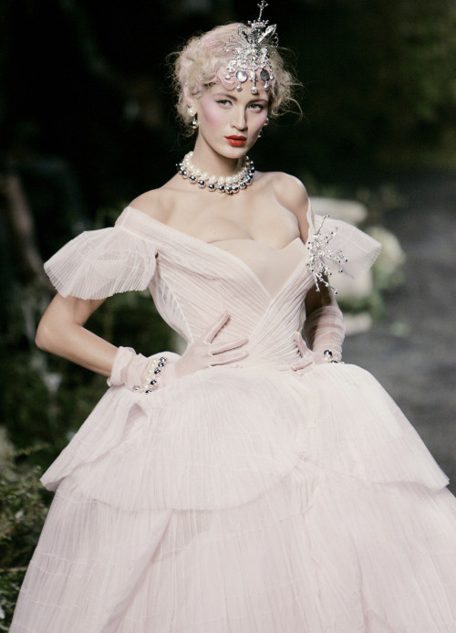 game-of-style:  Sansa Stark - Christian Dior Haute Couture f/w 2005