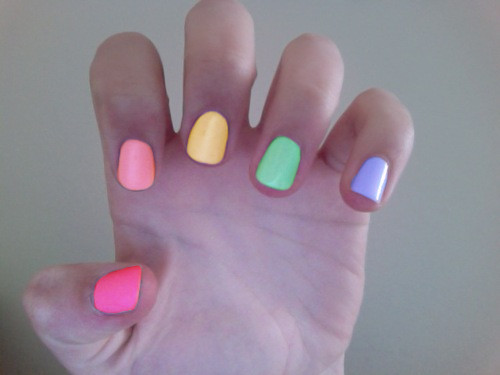 keauty:  omg i want to do my nails like this