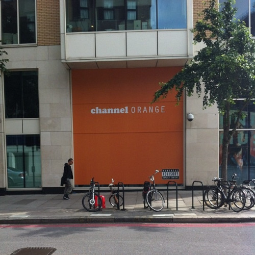 janet-and-marty:  129th:  nomadicsoull:  love.  omg is this in london  wow