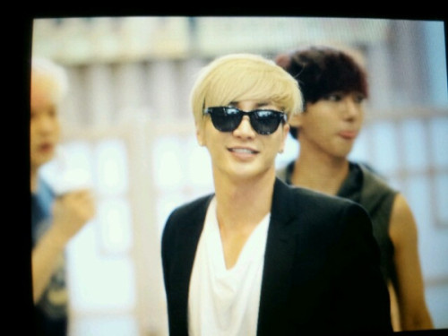 120720 Kiss the Radio Teuk handsomr guy <33  [@JS_SPOTLIGHT]