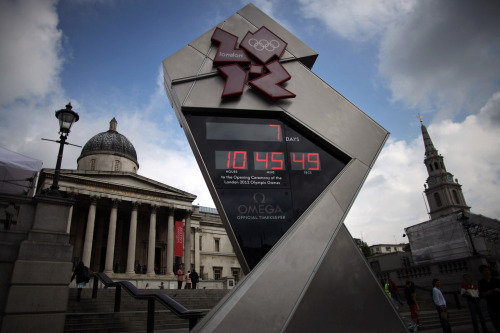 gettyimages:  The Countdown Clock in London: A general view of the London 2012 Olympic countdown clock as it shows 7 days to go, in Trafalgar Square on July 20, 2012 in London, England. The opening ceremony of the games will take place on July 27, 2012. Photo by: Dan Kitwood/Getty Images