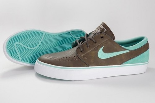 brandynklee:  janoskis with nike id…july 27th.