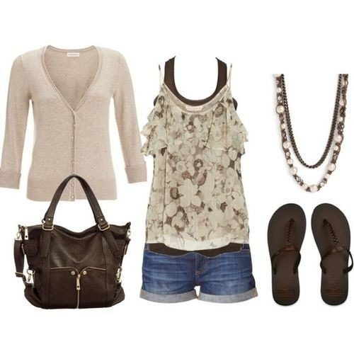 the lace top (via Truly fashion, simply stylish | iFashionsBlog.com i Fashion Blog)