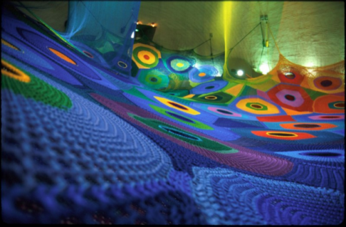 shsnaps:  Large-scale crochet playgrounds by fibre artist Toshiko Horiuchi MacAdam. Unfortunately, since most of the playgrounds are in Japan, it might be a while before I can have a romp around.