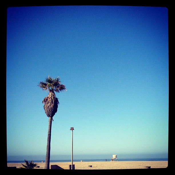Another beautiful morning in HB. We live in paradise.  (Taken with Instagram at Huntington State Beach)