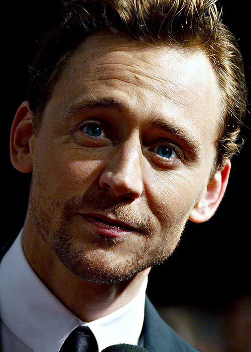 After a strange Hiatus, I bring you Tom's gergeous little face being perfect.