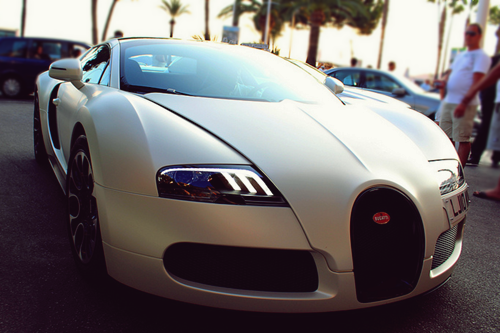 johnny-escobar:  1 of 1 Matte Pearl White Bugatti Veyron Sang Blanc via Romain