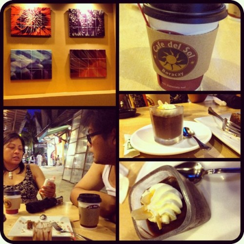 Cafe date with these fellow balikbayans #food #chocolate #philippines #boracay  (Taken with Instagram)