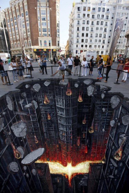 laughingsquid:  The Dark Knight Rises, A Stunning 3D Street Painting by 3D Joe & Max
