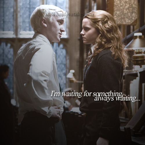 dramione43ver:  i wish there's a scene in the movie just LIKE this