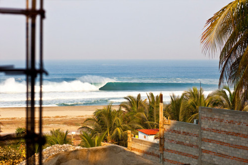 infinitesurf:  puerto escondido. photo; struck