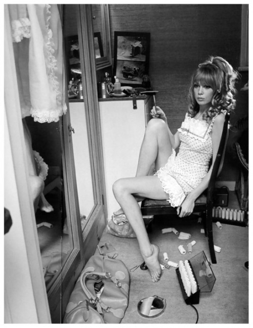 Pattie Boyd, Vogue, 1967 Photo Norman Parkinson