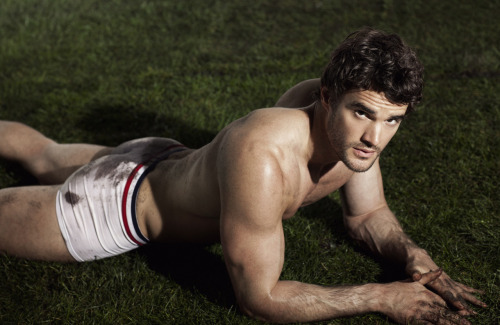 minkarlektilldig:  Thom Evans by Cameron McNee for Attitude (August 2012).