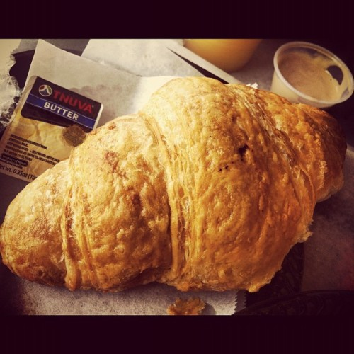 Brunch at My Fav French Bakery #Croissant #French #Butter #Tnuva #Israel #yum #instafood #ig_israel #ighub #iphoneonly   (Taken with Instagram at Delice Bakery)