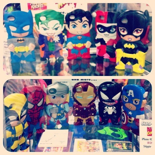Spotted at SDCC: DC Comics & Marvel iPhone Chara-Covers!