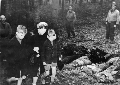 German citizens made aware of the atrocities at a nearby prisoners of war camp for captured Soviets, Suttrop, Germany, May 1945 / United States Army Signal Corps
