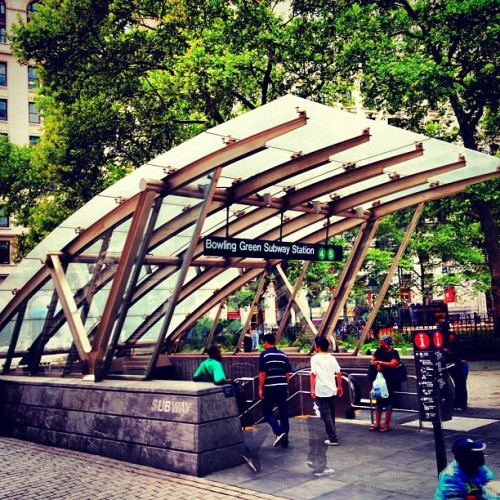 theboken:  #Subway entrance #bowlinggreen #newyorkcity #MTA #manhattan #instagram #hdr (Taken with Instagram)   Man, I Just Love MTA. Just Kidding.