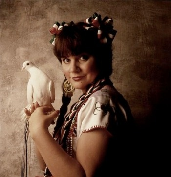 (via Fern Bar Fridays: Celebrating Linda Ronstadt's Birthday with Weed, Whites, and Wine - BlackBook)