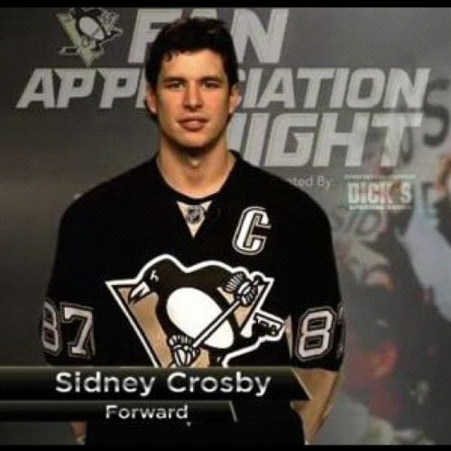 Sorry he's mine, back off bitches  #pens #SidneyCrosby #hockey #sexy #mine (Taken with Instagram)